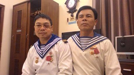 Cuu binh Gac Ma gan 30 nam song cung 'giay bao tu' - Anh 3