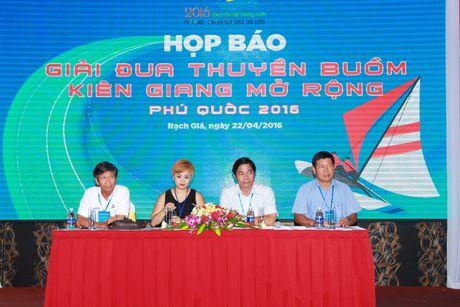 Giai dua thuyen buom Kien Giang mo rong dien ra vao thang 5 - Anh 2