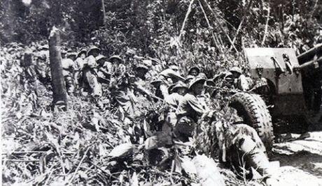"""Dien Bien Phu 7/5/1954: Nhung buc anh """"chan dong dia cau"""" - Anh 13"""