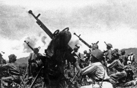 """Dien Bien Phu 7/5/1954: Nhung buc anh """"chan dong dia cau"""" - Anh 15"""