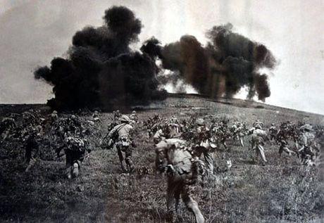 """Dien Bien Phu 7/5/1954: Nhung buc anh """"chan dong dia cau"""" - Anh 17"""
