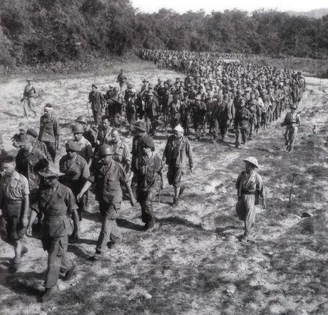 """Dien Bien Phu 7/5/1954: Nhung buc anh """"chan dong dia cau"""" - Anh 21"""