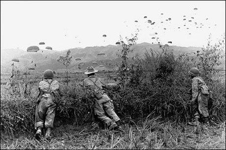 """Dien Bien Phu 7/5/1954: Nhung buc anh """"chan dong dia cau"""" - Anh 8"""