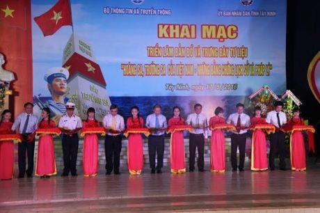 Tay Ninh: Trien lam ban do va trung bay tu lieu ve Hoang Sa, Truong Sa cua Viet Nam - Anh 1
