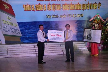 Tay Ninh: Trien lam ban do va trung bay tu lieu ve Hoang Sa, Truong Sa cua Viet Nam - Anh 2