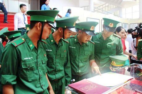 Tay Ninh: Trien lam ban do va trung bay tu lieu ve Hoang Sa, Truong Sa cua Viet Nam - Anh 3