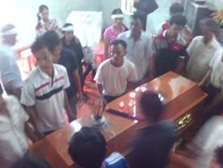 Đau đớn đón thi thể nạn nhân vụ tai nạn thảm khốc tại Bình Thuận