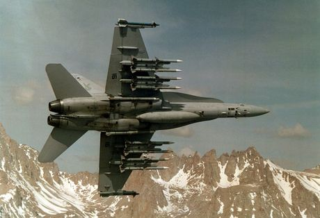 Me man vu khi tiem kich F/A-18 Viet Nam co the mua - Anh 2