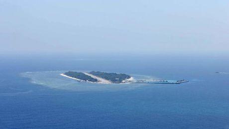 Trung Quoc bat ngo nhuong bo Philippines o bai can Scarborough - Anh 2