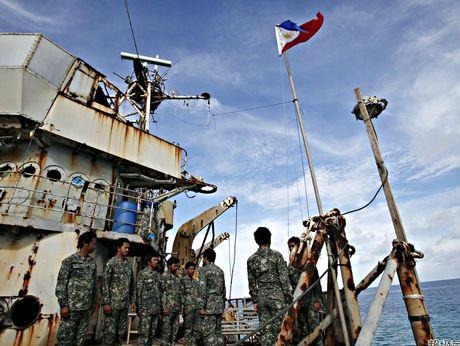 Trung Quoc bat ngo nhuong bo Philippines o bai can Scarborough - Anh 3