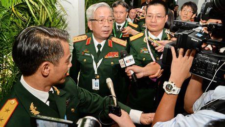 """Viet Nam moi tau Trung Quoc vao Cam Ranh, Hoan Cau """"ngac nhien"""" - Anh 1"""