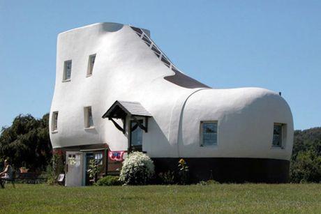 Ngộ nghĩnh những ngôi nhà mang hình chiếc giày