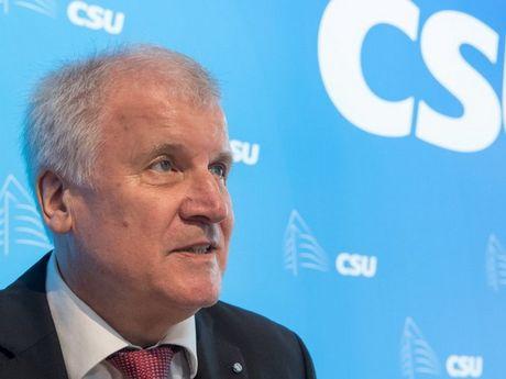 Duc: Chu tich CSU ung ho do bo cac bien phap trung phat Nga - Anh 1