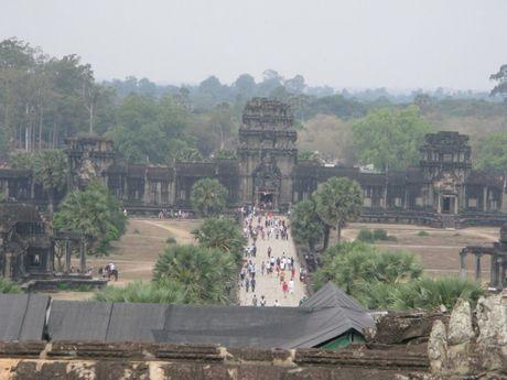 Campuchia dang hut khach du lich - Anh 2