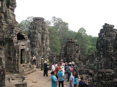 Campuchia dang hut khach du lich - Anh 5