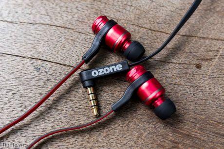 Tren tay tai nghe in-ear danh cho game thu Ozone TriFX voi 3 bo EQ thay duoc, gia 990 ngan - Anh 3