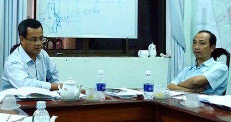 Tin kho tin: Pho chu tich thu nhap 800 trieu dong mot nam va khong it nguoi lam quan chuc khong co gi ngoai tien - Anh 1