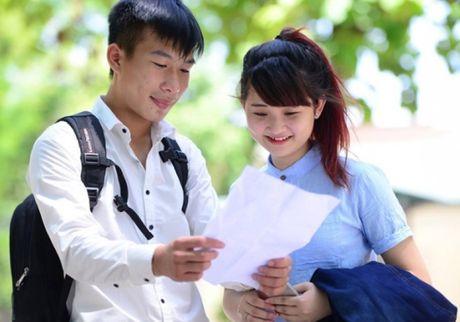 Tuyen sinh dai hoc nam 2016: Diem chuan nhieu truong dao dong - Anh 1