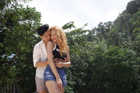 MV ca nhac 18+ cua Huong Giang Idol bi Cuc NTBD 'so gay' - Anh 3