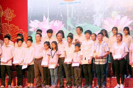Ha Tinh: Ra mat Quy khuyen hoc, khuyen tai Nguyen Du - Anh 2