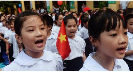 Tu nam toi, se thi diem cho tre lop 3 hoc them tieng Nga, tieng Trung - Anh 1