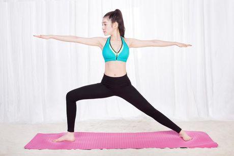 Bai tap yoga don gian giup tang cuong suc khoe va suc de khang - Anh 2