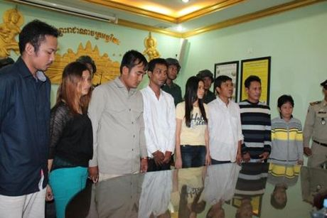 Nghi can Viet trong vu no bom Phnom Penh: Thu ca nhan - Anh 1