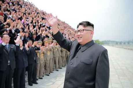Kim Jong-un khac cha, giong ong noi the nao - Anh 3