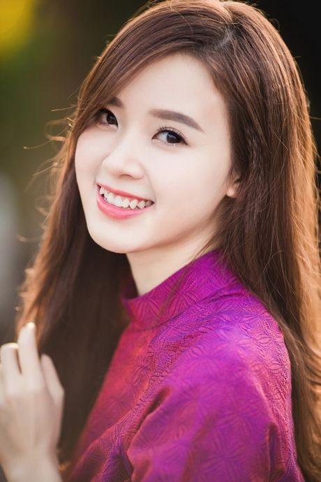 Hotgirl MiDu: Dan ba hon nhau o cho biet buong bo - Anh 2