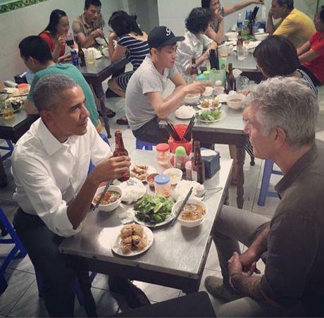 Quan 'bun cha Obama' lien tuc 'chay' hang - Anh 1