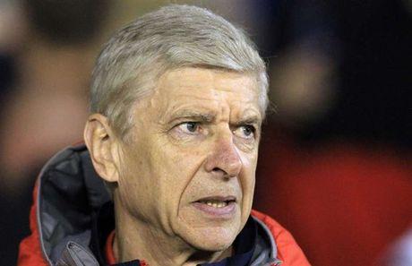 Wenger lan dau len tieng viec Mourinho doi dam vo mat minh - Anh 1