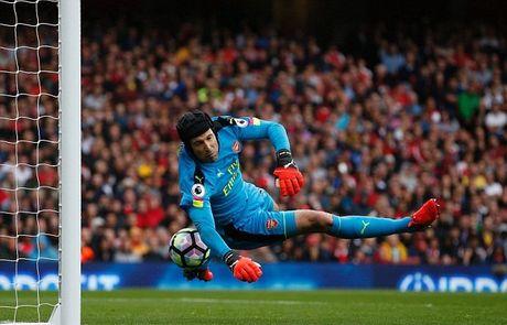 Doi hinh ket hop Arsenal - Chelsea: Tieng noi cua nguoi Tay Ban Nha - Anh 1