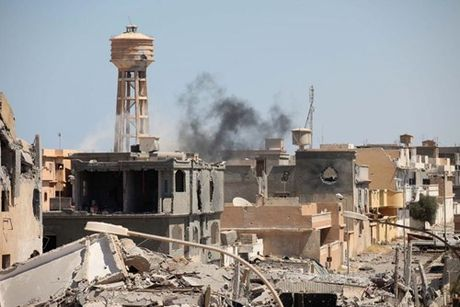 Chien truong danh IS o Libya nong ham hap - Anh 3