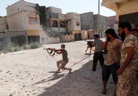 Chien truong danh IS o Libya nong ham hap - Anh 7