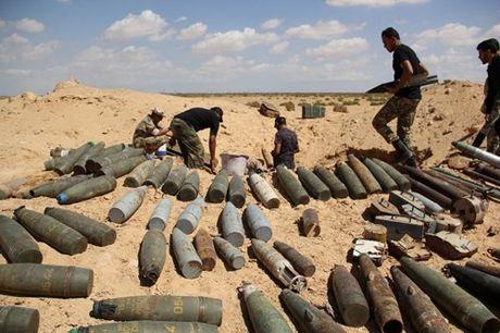 Chien truong danh IS o Libya nong ham hap - Anh 8