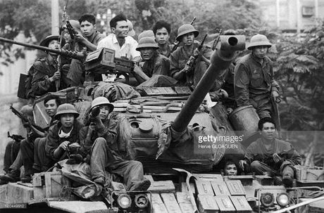 Bat ngo: Xe tang M41 cua Viet Nam tai xuat - Anh 8
