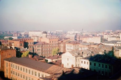 Loat anh cuc dep ve Moscow nam 1956 cua pho nhay Phap (1) - Anh 13