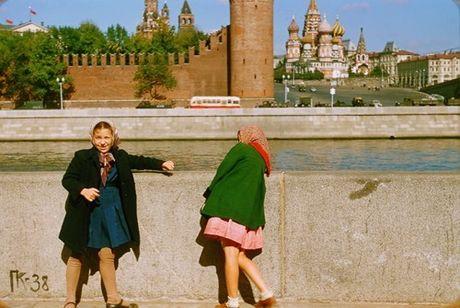 Loat anh cuc dep ve Moscow nam 1956 cua pho nhay Phap (1) - Anh 21