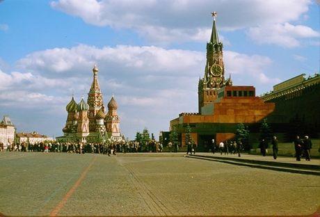 Loat anh cuc dep ve Moscow nam 1956 cua pho nhay Phap (1) - Anh 2
