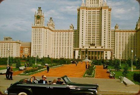 Loat anh cuc dep ve Moscow nam 1956 cua pho nhay Phap (1) - Anh 4