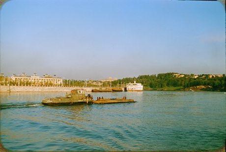 Loat anh cuc dep ve Moscow nam 1956 cua pho nhay Phap (1) - Anh 6