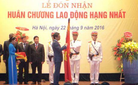 Bao tang Lich su quoc gia don nhan Huan chuong Lao dong hang Nhat - Anh 1