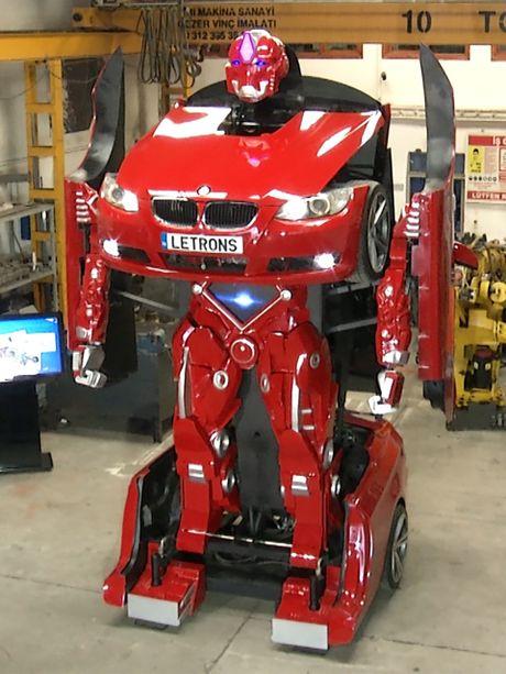 Xe BMW bien hinh thanh robot Transformer: xe chay duoc, robot chua di duoc - Anh 4