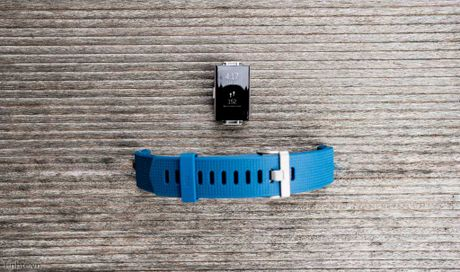 Tren tay Fitbit Charge 2: Hoan thien dep, sac sao, ho tro chay bo, dap xe, pin 5 ngay - Anh 12