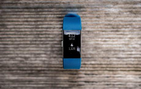 Tren tay Fitbit Charge 2: Hoan thien dep, sac sao, ho tro chay bo, dap xe, pin 5 ngay - Anh 8