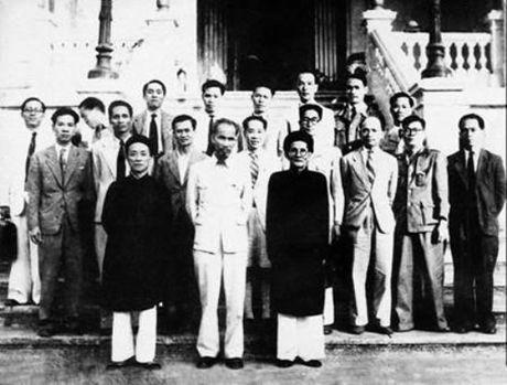 Ky niem quoc gia 140 nam ngay sinh cu Huynh Thuc Khang - Anh 1