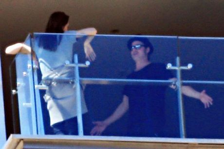 Hai lan Brad va Angelina lo anh cai va trong 2 nam ket hon - Anh 1