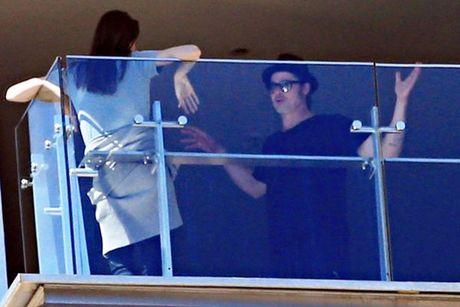 Hai lan Brad va Angelina lo anh cai va trong 2 nam ket hon - Anh 2