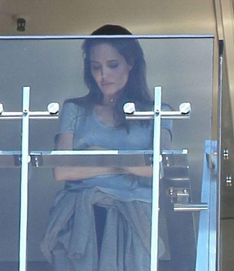 Hai lan Brad va Angelina lo anh cai va trong 2 nam ket hon - Anh 5