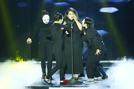 "Phuong Anh Idol bi ton thuong vi khan gia che ""map"" - Anh 1"